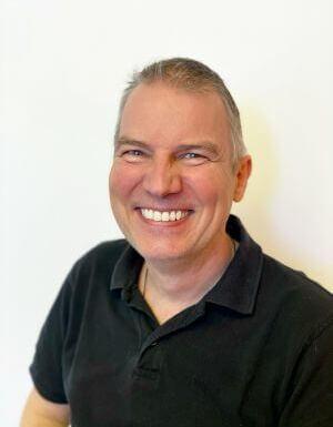 Dr. Frank Schneider